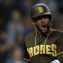 Padres' Tatis Jr. exits in 10th with hammy injury